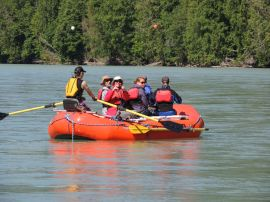eco rafting on Bella Coola River, raft tour with Kynoch Adventures