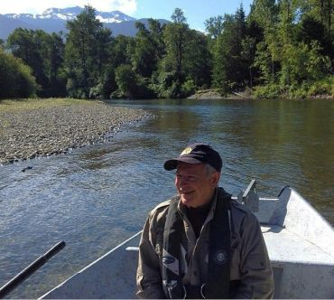 Kynoch Adventure bear tour guide for bear watching and grizzly bear viewing holidays in Bella Coola bC